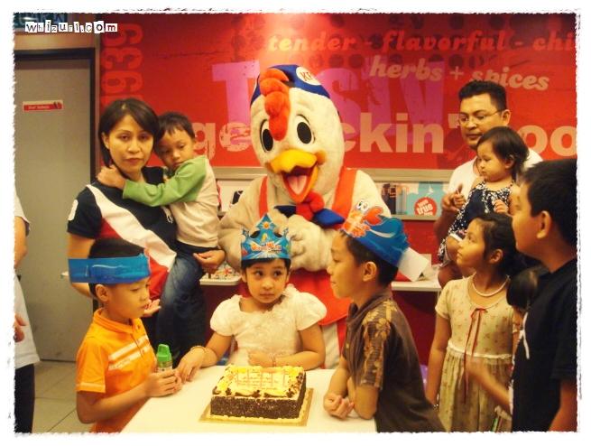 Milia S Birthday Party Kfc Taman Tun Dr Ismail Whizurldotme